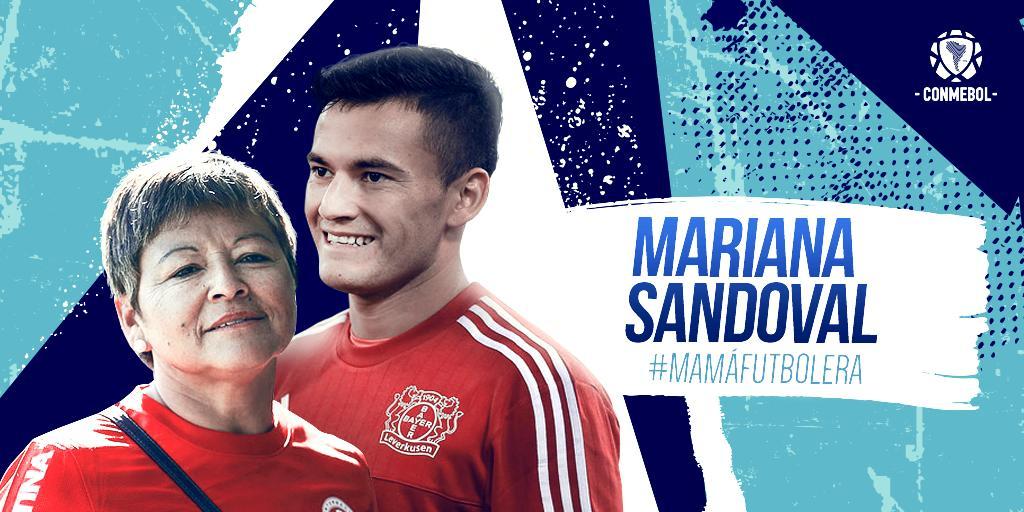 5 hijos, 9 nietos y más de 30 años dedicados al fútbol convierten a Mariana Sandoval, la madre del volante chileno @CharlesAranguiz , en una gran #MamáFutbolera.