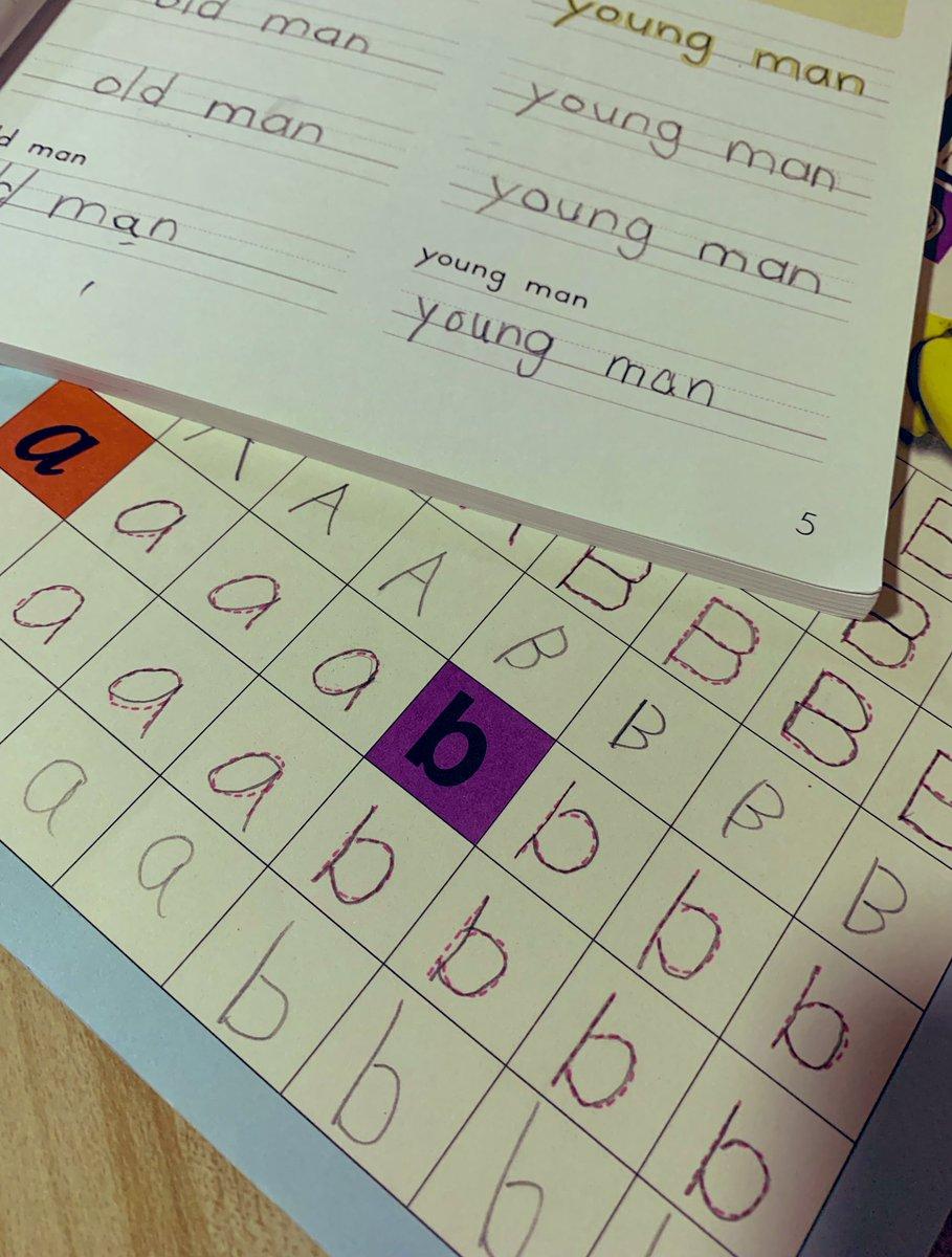 5/23(木) 小1娘?★オンライン英会話★学校の宿題★なぞる系英語ワーク★字が綺麗になる練習帳字が綺麗になる練習帳はなんとDAISOです!中身は小1の宿題プリントのような感じ?反復練習したい子には良い。