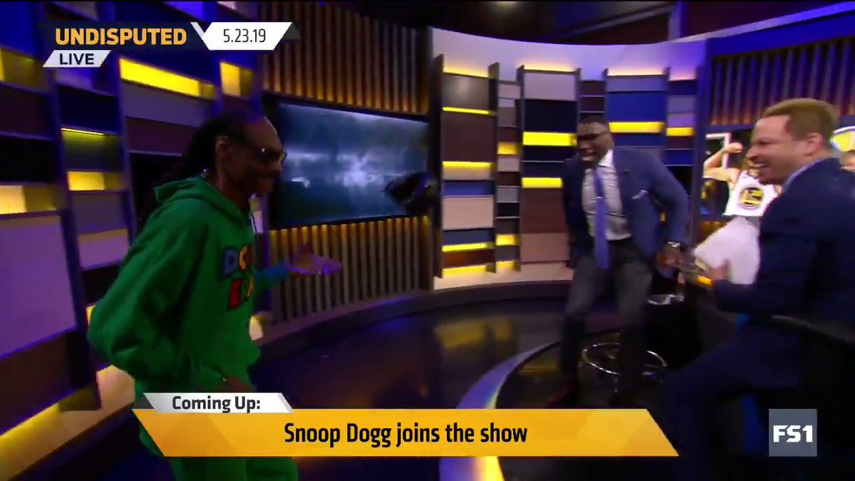 .@SnoopDogg bringing the goodies for @ShannonSharpe  🤣🤣🤣