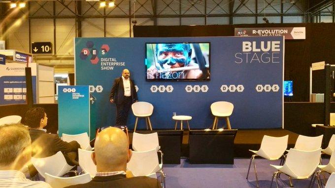 """Ahora en #des2019 con la ponencia de @jcavanillas """"bringing #IoT to..."""