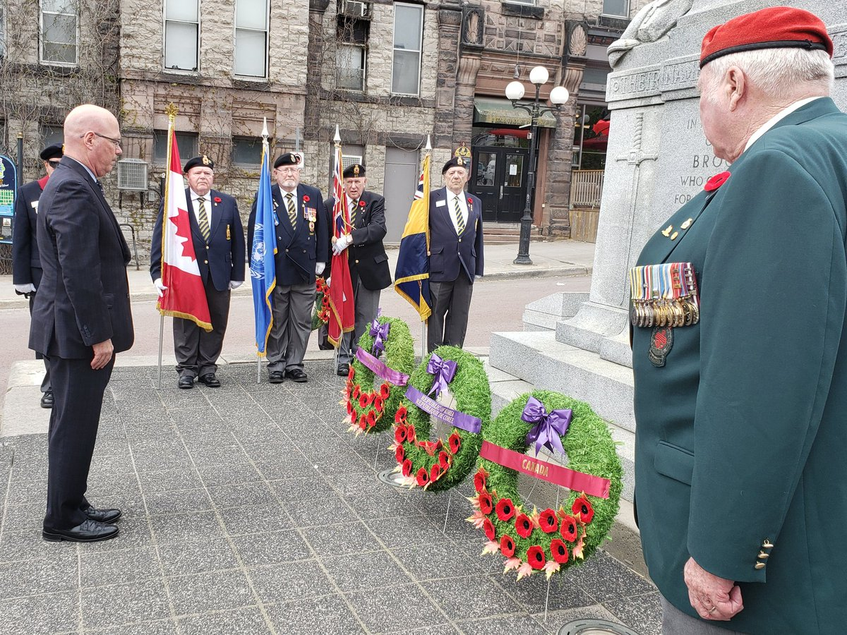 Important to take time to pay tribute to Korean War veterans with a wreath laying ceremony and moment of silence during Korea Day in @BrockvilleON. Thank you for your service. #LestWeForget