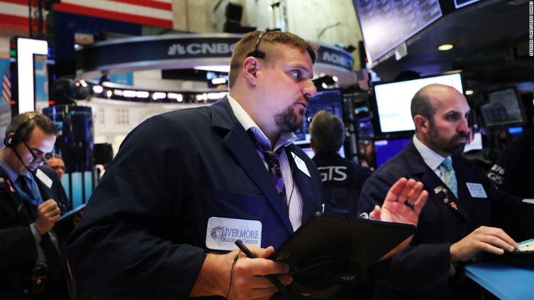 Dow futures tumble 200 points as trade war worries weigh on markets  http:// dlvr.it/R5GSrl  &nbsp;  <br>http://pic.twitter.com/nUj6YfAYk8