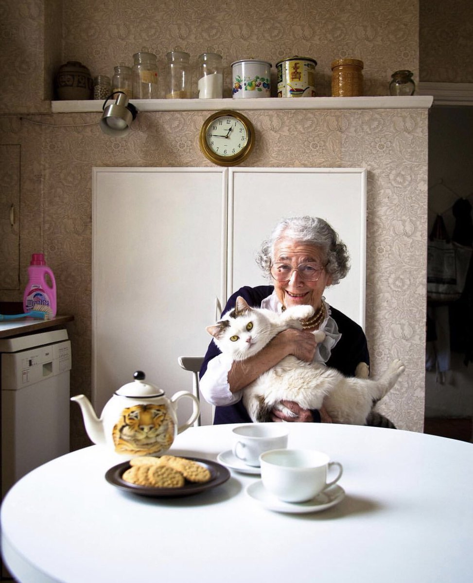 Saying goodbye to a fellow cat lover... 😢 You will be missed Judith Kerr.