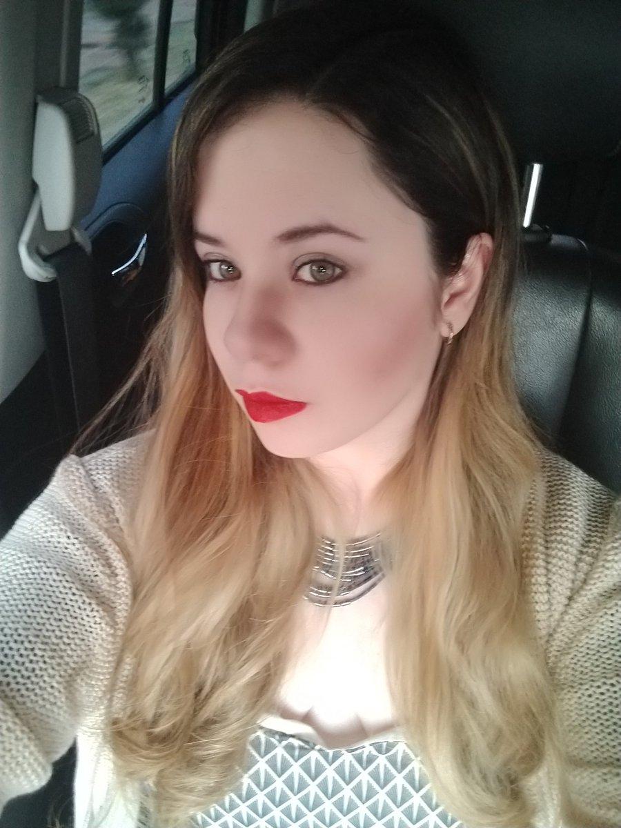 #RedLips Good morning! #FelizJueves #ThursdayThoughts<br>http://pic.twitter.com/DgGu4vT8ax