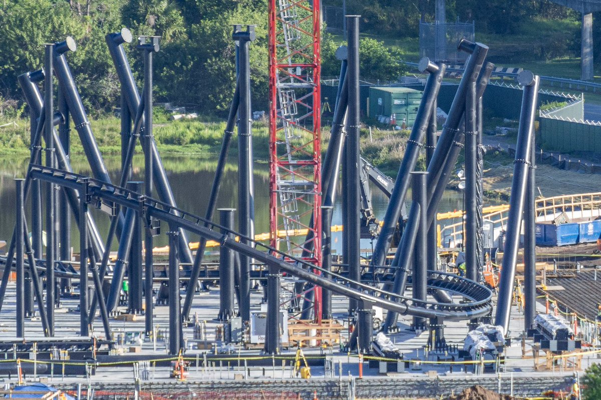 The Tron roller coaster construction site has turned into a steel forest of support columns and a lot of track pieces!  We have an elevated look at the latest progress from sunrise this morning!   All photos:  http:// blogmickey.com/2019/05/elevat ed-look-at-latest-tron-roller-coaster-track-installation/ &nbsp; … <br>http://pic.twitter.com/buWH84Ws4H