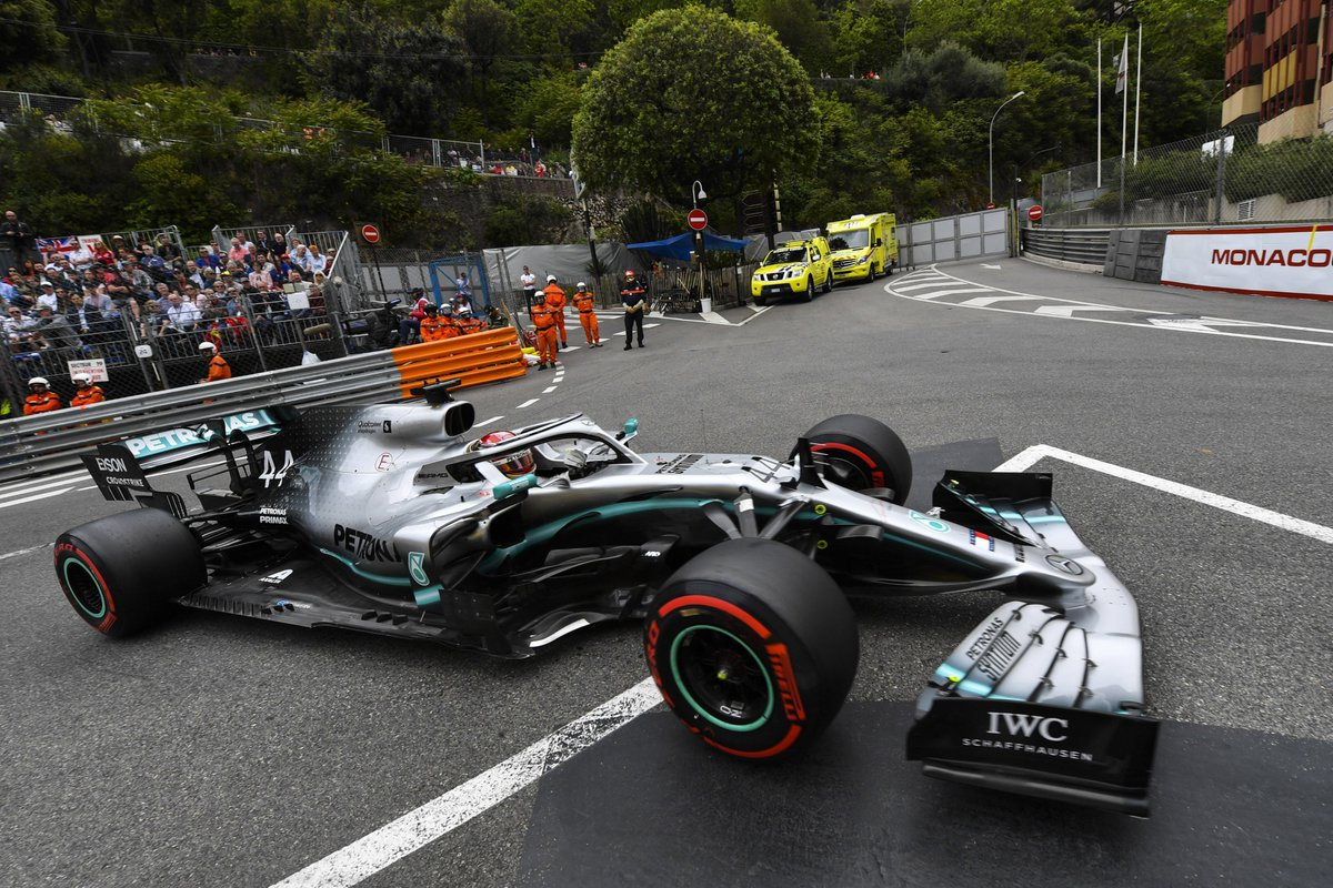 We're into the 11's here in Monaco 👀🇲🇨  P1 @LewisHamilton - 1:11.926 P2 @ValtteriBottas - 1:12.167  #PETRONASmotorsports, how low will the timings go? Get your predictions in, team 👇