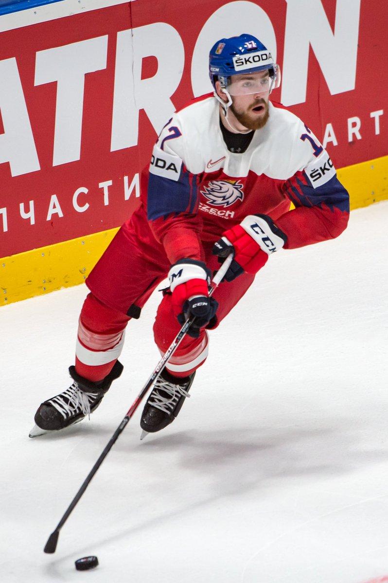 Today's #IIHFWorlds Quarterfinal action.   🇺🇸 vs 🇷🇺 10:15am - @NHLNetwork   🇨🇦 vs 🇨🇭 10:15am   🇨🇿 vs 🇩🇪 2:15pm