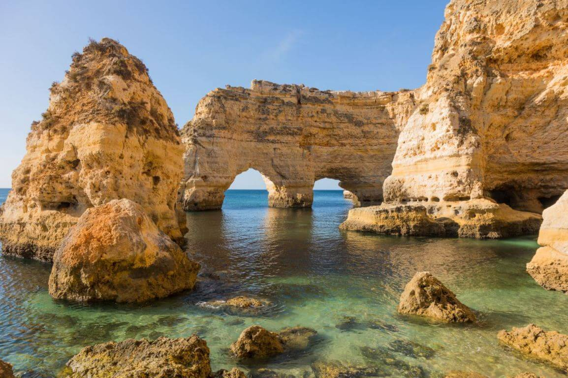 #PraiadaMarinha #Lagoa #Algarve #guide #beachlife   Praia da Marinha – the complete guide. This beach truly takes your breath away. How lucky are we to have so many beautiful beaches not only in the Algarve, but in all of #Portugal   https://bit.ly/2QfZdebpic.twitter.com/36EcYugwm9