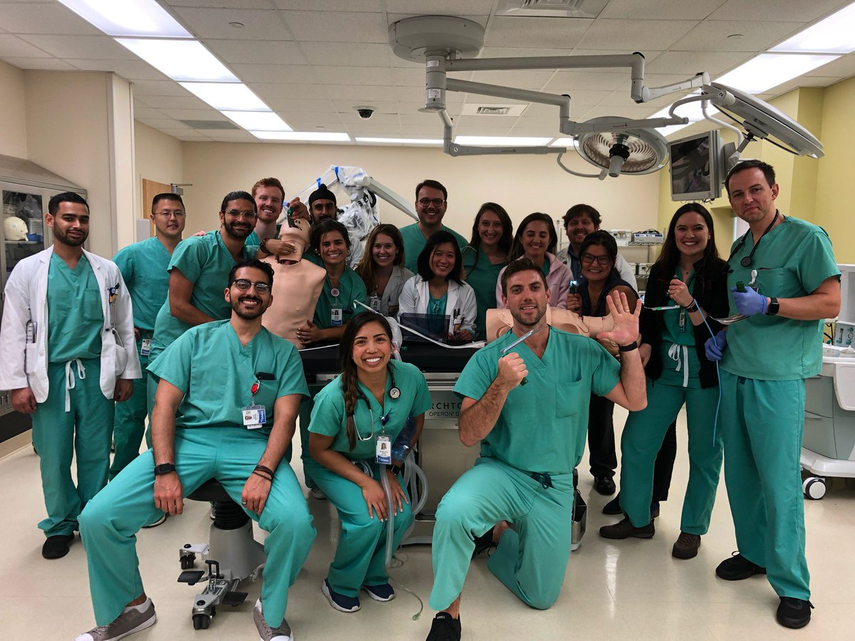 EM interest group v. Anesthesia interest group airway cup 2019 at the @OchsnerEdu sim center - #emergencymedicine wins 5-3! <br>http://pic.twitter.com/0utXD46wR8