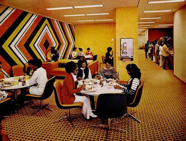 Can we take a moment to appreciate the Johnson Publishing Chicago office in its prime? Can you imagine walking into this EBONY/JET Magazine office?   It opened in 1972 + cost $8M ($45M today) to constrict. The mod style of the time is  Here's a thread of its black excellence <br>http://pic.twitter.com/8CEl14yMKL