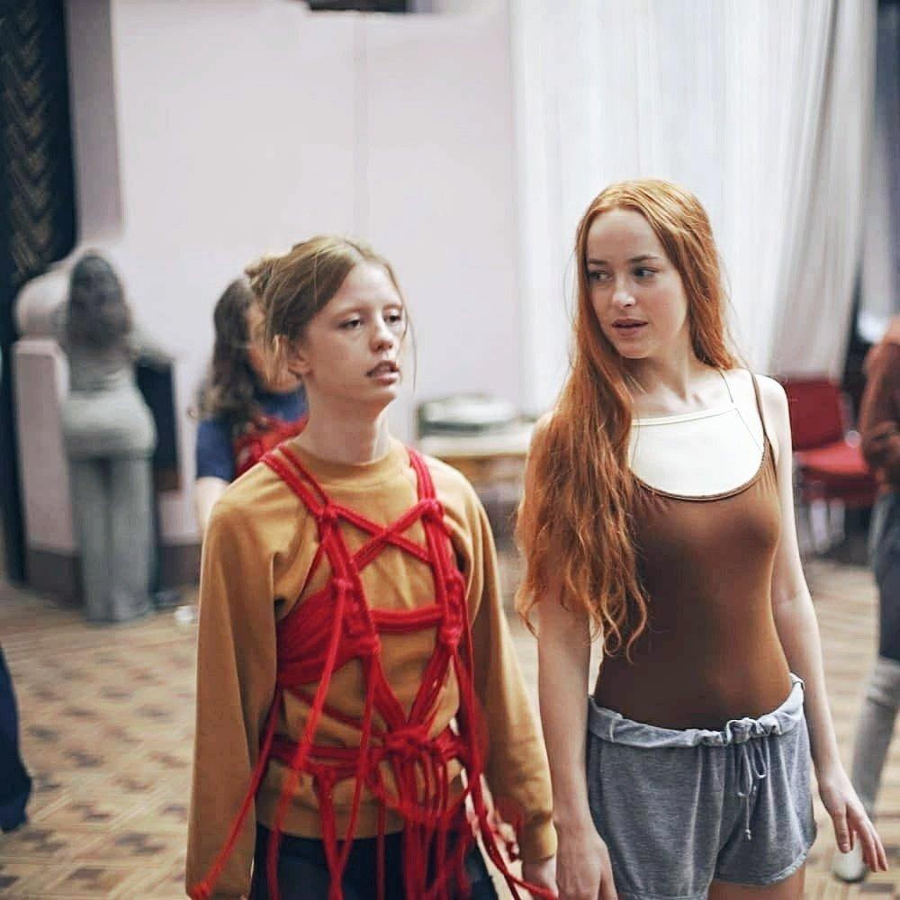 Mia Goth &amp; Dakota Johnson photographed on the set of &#39;Suspiria&#39; (Luca Guadagnino, 2018) <br>http://pic.twitter.com/pAkNHf9PIm