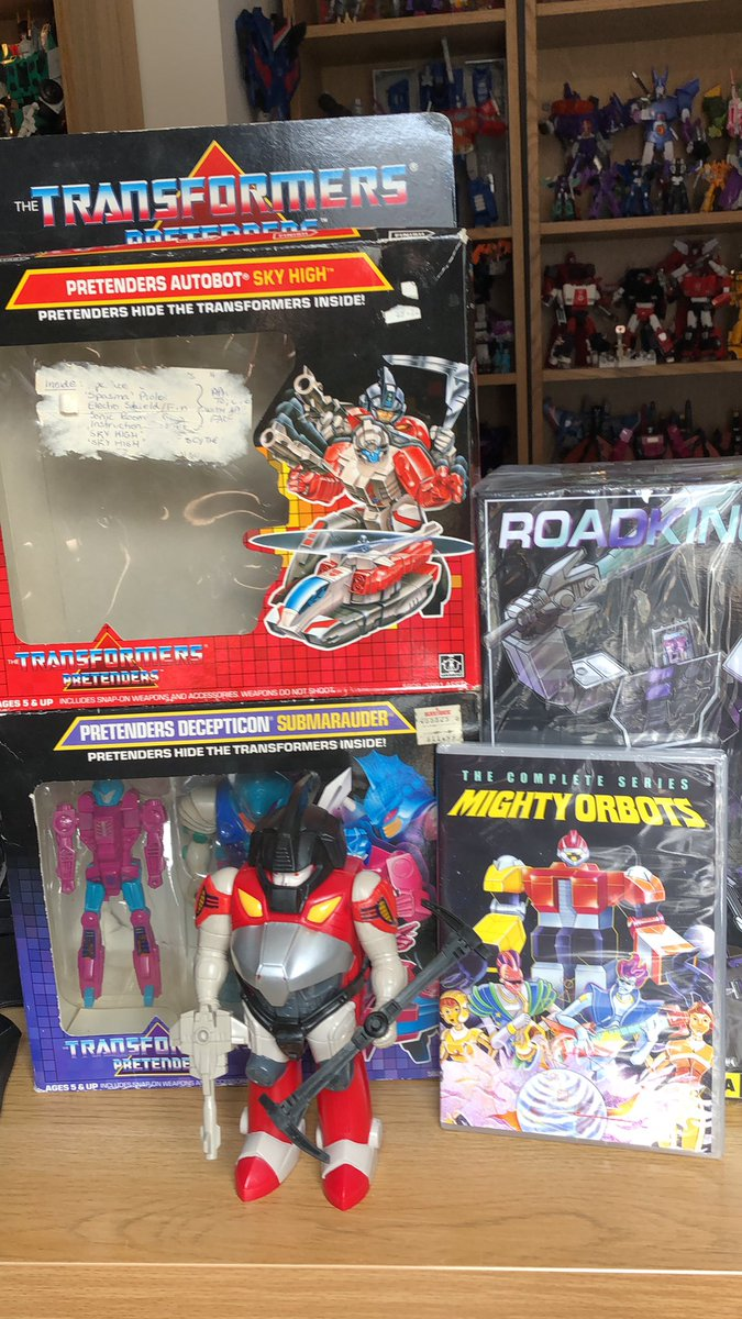 New shit day! Big thanks to @SixoTF for the G1 and @ShowZStore2018 who did an amazing job packing Roadking.  And yes, that is Mighty Orbots!