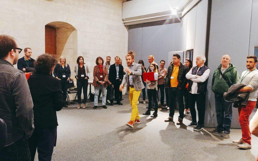 [#IntelligenceCollective] @JuBrunerie, @Jeanne_de_K, et @A_Iordanoff ont facilité une rencontre participative pour @FondationAFC. Grâce à la méthode, les parties prenantes du Festival @avignonleoff ont réfléchi #ensemble ! Un moment fort raconté ici : https://bit.ly/2wbZvtk