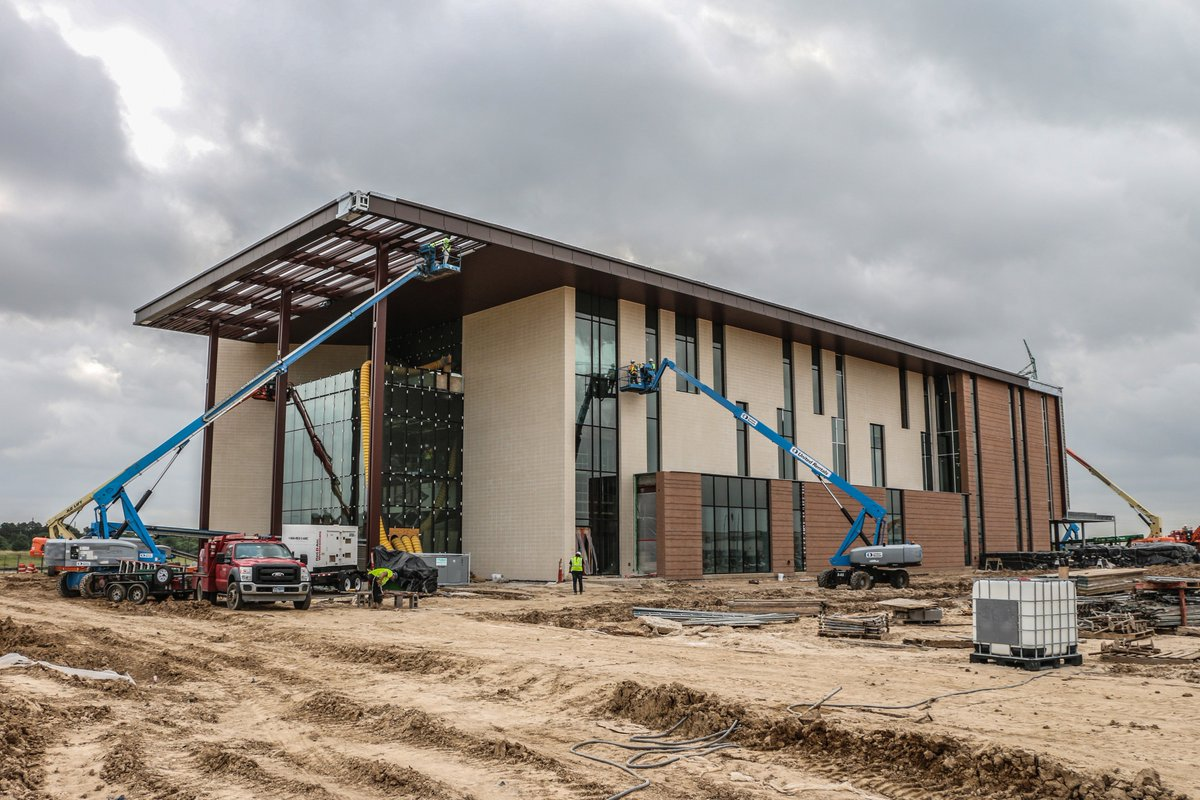 LOOK AT US! Construction of UH at Katy moving along! Ready for a #fall opening! #Powerhouse #Katy #GoCoogs<br>http://pic.twitter.com/CpOPh7y5Cj