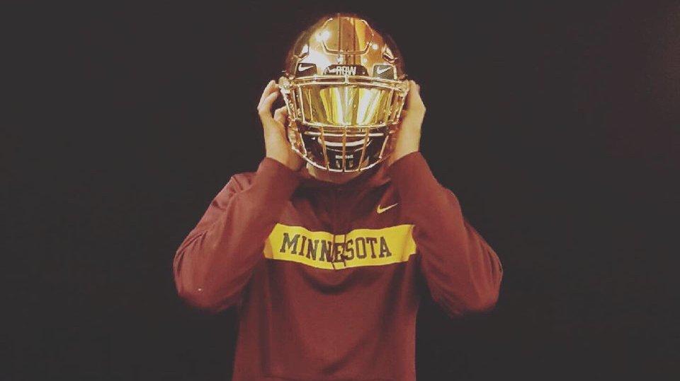 f7a59034148 ... him https://247sports.com/college/minnesota/Article/Michigan-CB-Benjamin-St-Juste-explains-his-Minnesota-decision-132261126/  …pic.twitter.com/14mS9XbxBh