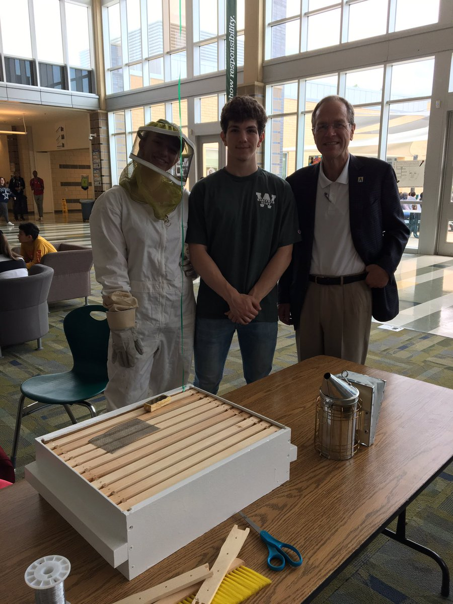 Wakefield's Isaiah Calfee and Dr. Murphy misBEEhaving 🐝 at the Senior Project Showcase <a target='_blank' href='http://twitter.com/SuptPKM'>@SuptPKM</a> <a target='_blank' href='http://twitter.com/principalWHS'>@principalWHS</a> <a target='_blank' href='https://t.co/6haTA2rjAY'>https://t.co/6haTA2rjAY</a>