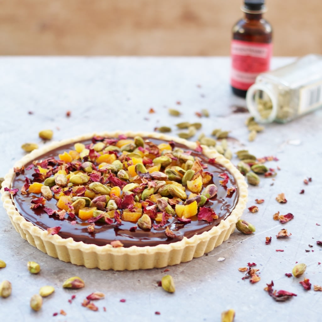Rich, decadent and totally moreish, this middle eastern inspired Chocolate Tart with Cardamom, Apricots and Rose Petals is perfect for Valentine's Day or any day when you want a ...  http:// bit.ly/2EZhHtx  &nbsp;    #valentinesday #valentines #chocolatetart #rosepetals #apricots #cardamom<br>http://pic.twitter.com/SnyeFSDiSG