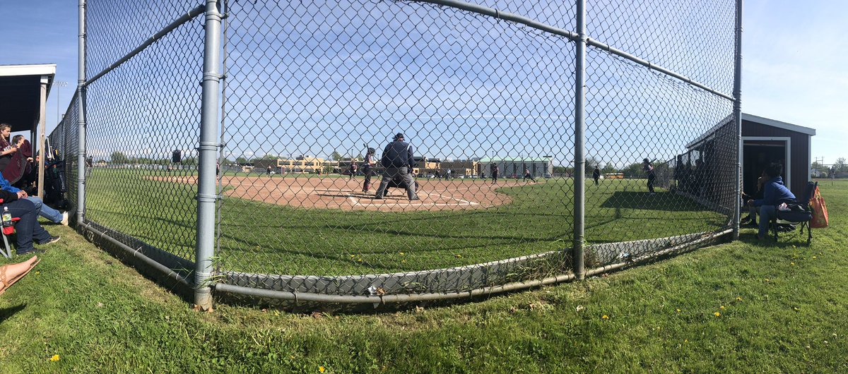 Live at Section VI playoff game between @SpartSoftball and @maryvalesball 4-2 @StarpointCSD top of 2nd