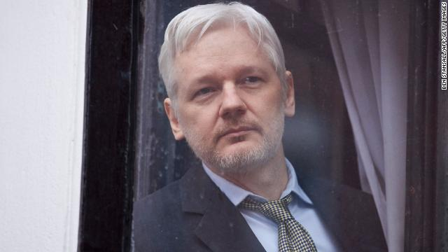 "WikiLeaks founder Julian Assange has been charged with 17 new counts under the Espionage Act for ""unlawfully obtaining"" and disclosing national defense information https://cnn.it/2Hx6Mue"