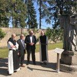 En visite à l'Abbaye de Cîteaux en compagnie du Père Abbé Quenardel et d'Hubert Poullot, Conseiller départemental de #NuitssaintGeorges. Le @CD_CotedOr accompagne les actions de préservation du patrimoine culturel et touristique de la Côte-d'Or. @CotedorTourisme @fond_patrimoine