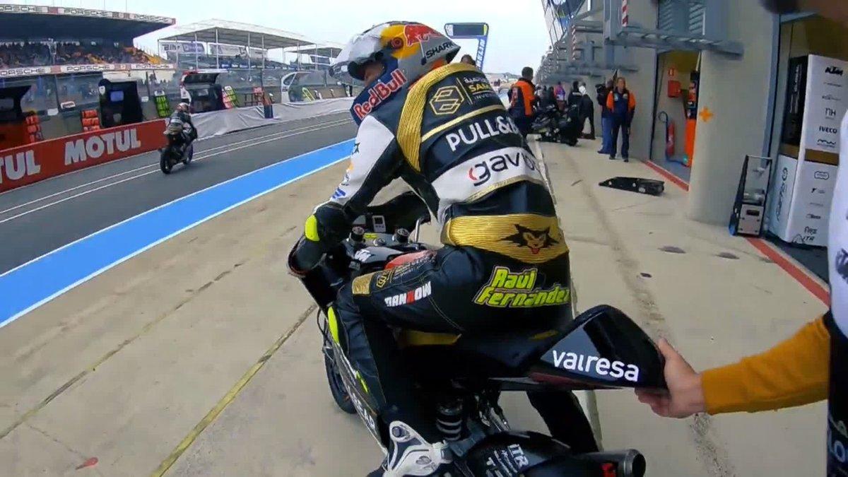 Sentirse piloto de #MotoGP 🏁 por un fin de semana 😍. Nos subimos a la moto de @25RaulFernandez, piloto de Moto3, y vivimos con él el #FrenchGP 🇫🇷   ➡ https://watch.dazn.com/es-ES/sports/