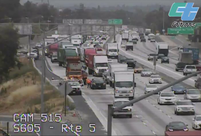 #TrafficAlert: Emergency road repair on Southbound I-605 at I-5 👇  #SlowForTheConeZone