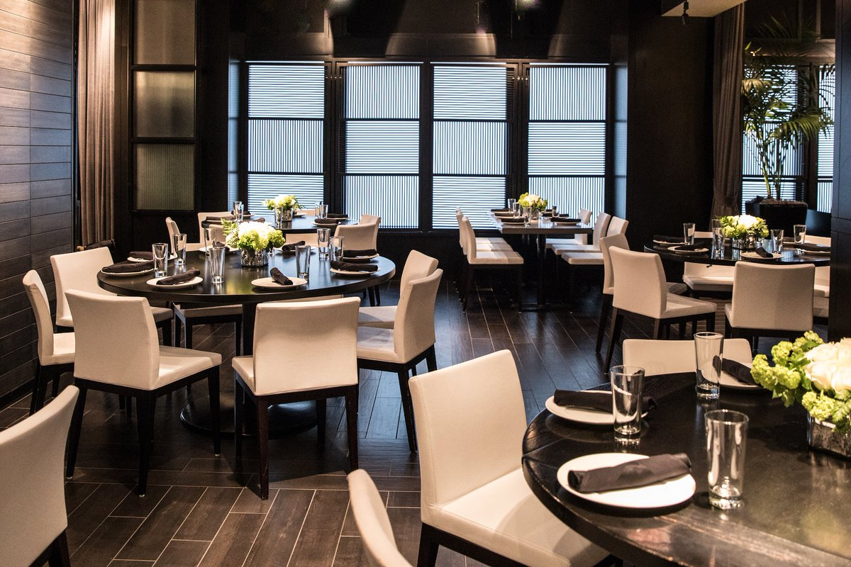 Host your next special event with RPM Italian! Our Parties & Events team is here to help create a personalized private dining experience down to every detail –  from menu selection and design to wine pairings and floral arrangements. Book now: https://t.co/HPPlNNPUeh https://t.co/b6FgHEMLQs