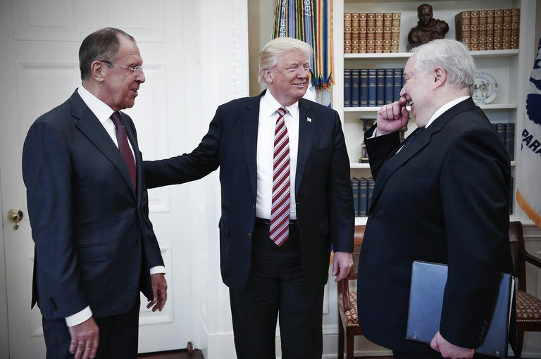 You know who Trump won&#39;t *ever* say is dumb? His real Secretary of State, Lavrov. <br>http://pic.twitter.com/jywn9S4ZwN