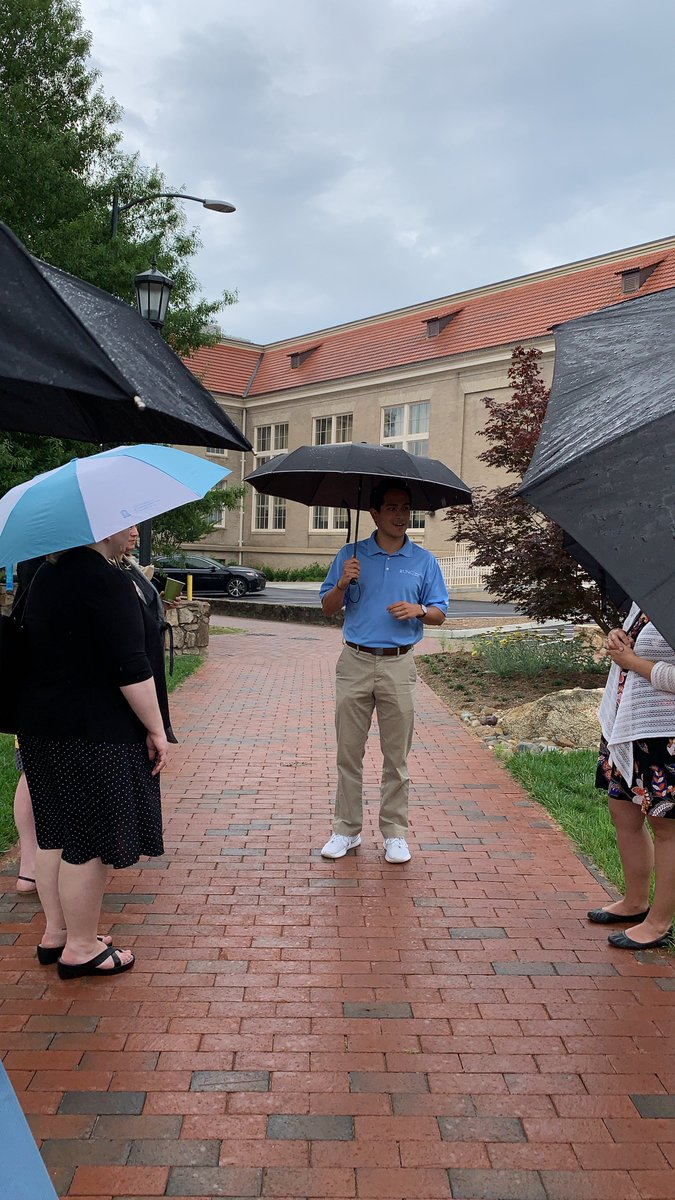 Rain or shine, @VisitUNC welcomes visitors to Carolina and offers tours to members of the public, #UNC students, faculty and staff. Next time you're in town, stop by their temporary office in Hill Hall for a walk around campus to learn about 225 years of history and what's next! …