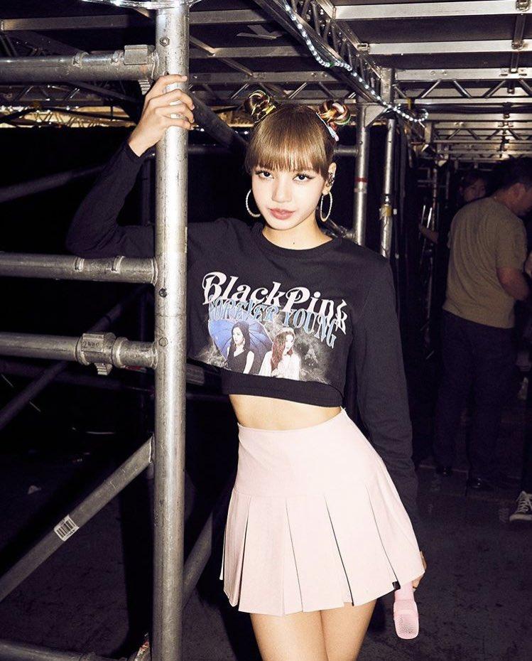 """UK! you guys really know how to rock the night""    https://www. instagram.com/p/Bx0F-gBjY8N/ ?igshid=1h7rtcv815l83 &nbsp; …   #LISA #LALISA #리사 #BLACKPINK  #블랙핑크 <br>http://pic.twitter.com/USLFQo22KZ"