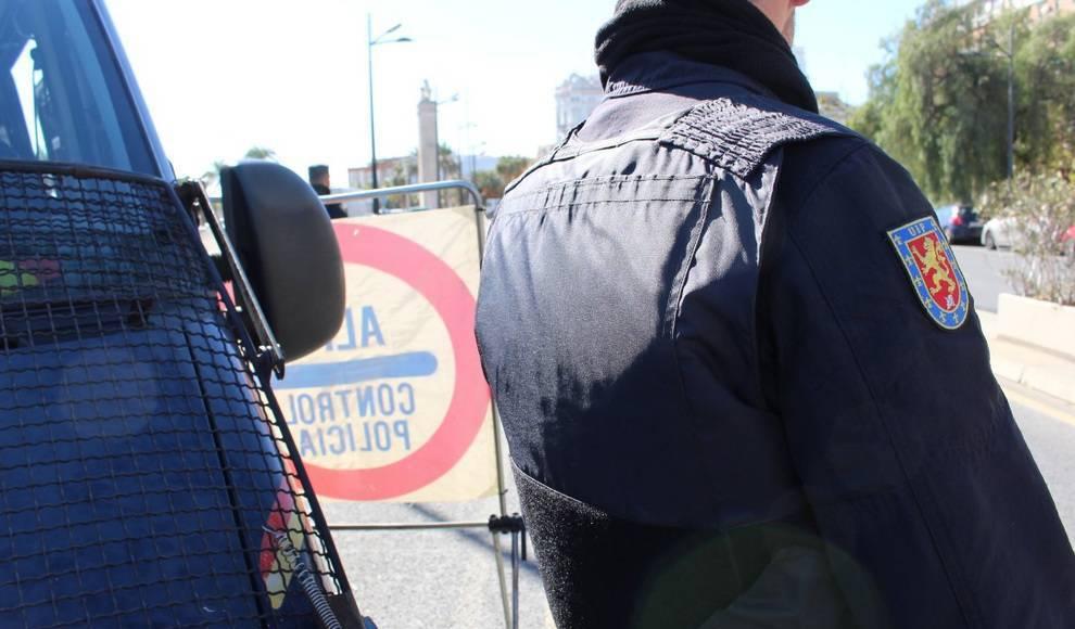 😳 Detenido por matar a un gallo a golpes en la calle y en presencia de menores bit.ly/2HNvt4p