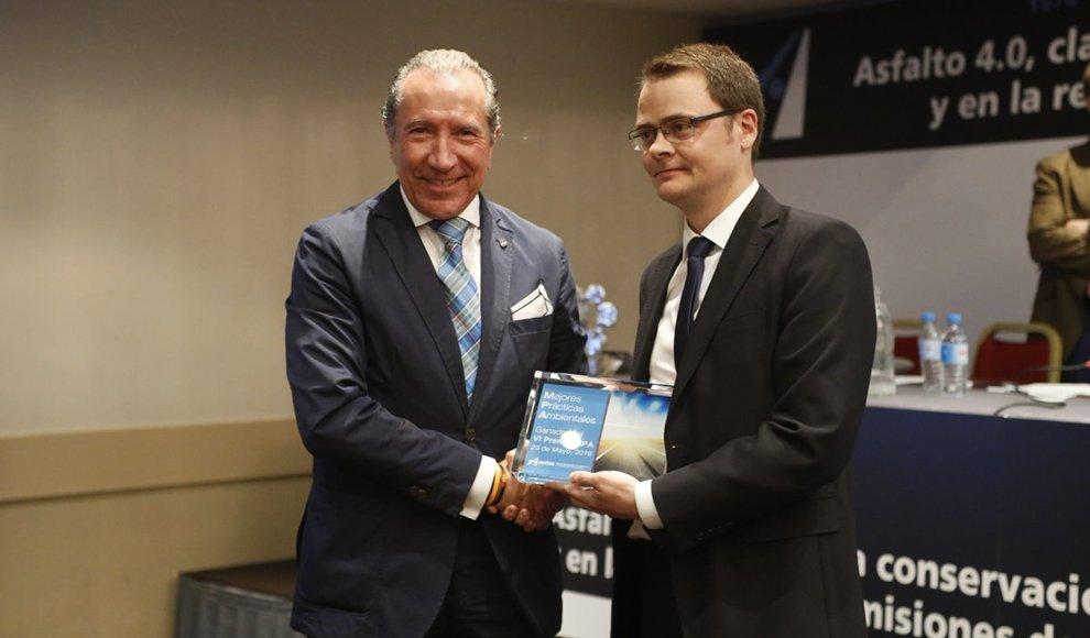 🎖 Collosa, galardonado con el Premio Nacional a las Mejores Prácticas Ambientales 2019 de ASEFMA bit.ly/2HRdXvY @jjpotti