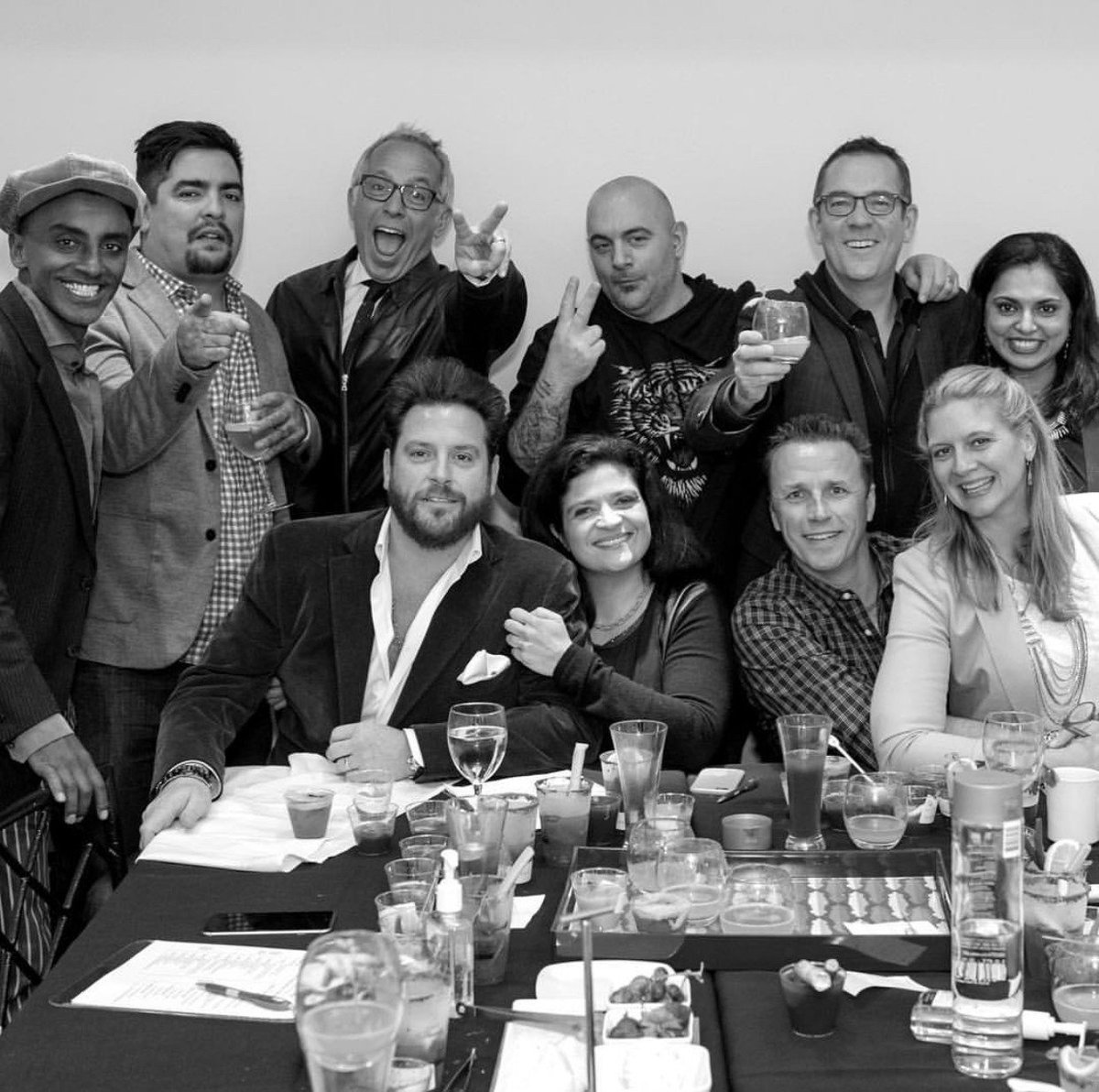 How many chefs can you fit into one photo? #Chopped #ThrowbackThursday <br>http://pic.twitter.com/izw5KLAhnu