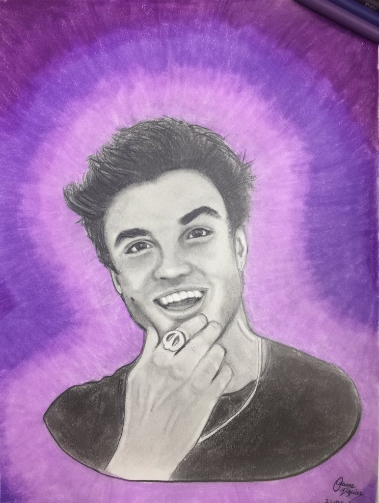 Here it is! I worked my ass off to draw @EthanDolan and here is the result! Hope you like it If you want you can rt and tag him it would mean the world to me. I believe we can beat my scores of Gray's drawing! He also didn't notice it so I hope this will be the one <br>http://pic.twitter.com/MA71UWqhPl