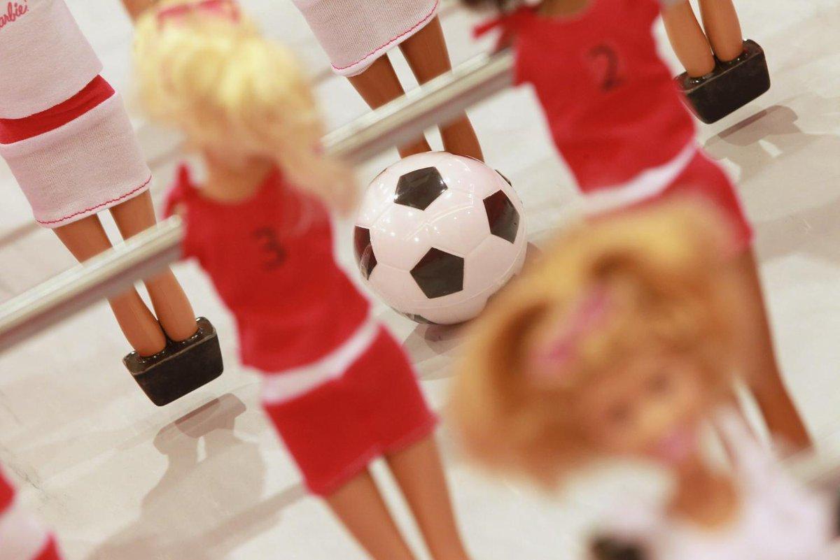 aufeminin: Pour la première fois, un baby-foot féminin va être commercialisé en France > https://www.aufeminin.com/news-societe/pour-la-premiere-fois-un-baby-foot-feminin-va-etre-commercialise-s4001390.html?Echobox=1558618185#utm_medium=Social&utm_source=Twitter…