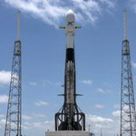 Image for the Tweet beginning: Falcon 9 and 60 Starlink