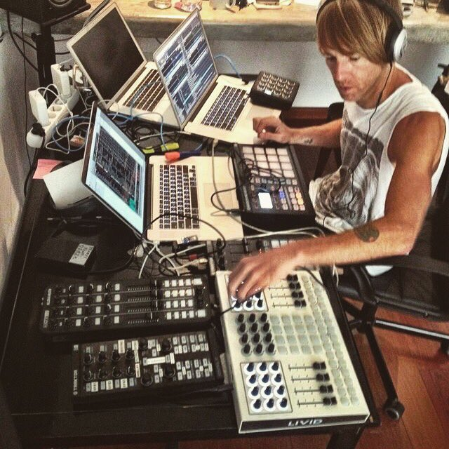 The master of Techno!!  #🎹🎧🖥  For the masters tools: http://globaldjsguide.com and link @globaldjsguide !!   #audioproduction #dj #djproducer #djs #djbooth #heydj #djlife #technodj #richiehawtin #traktor #traktorpro #djsoftware #laptop #macbookpro #djmixer #djsetup #traktordj