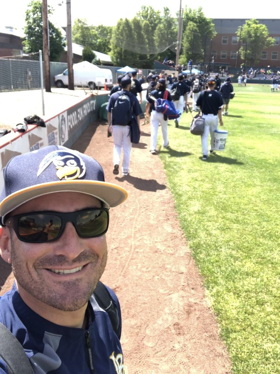 GAMEDAY #wellsyselfie with the squad walking in to get ready for our first game of the NWAC Championships...so excited to watch these guys chase their goal of winning a !! #465 #ODAAT #beepbeep #GoBeaks<br>http://pic.twitter.com/Pxc08mUnf5