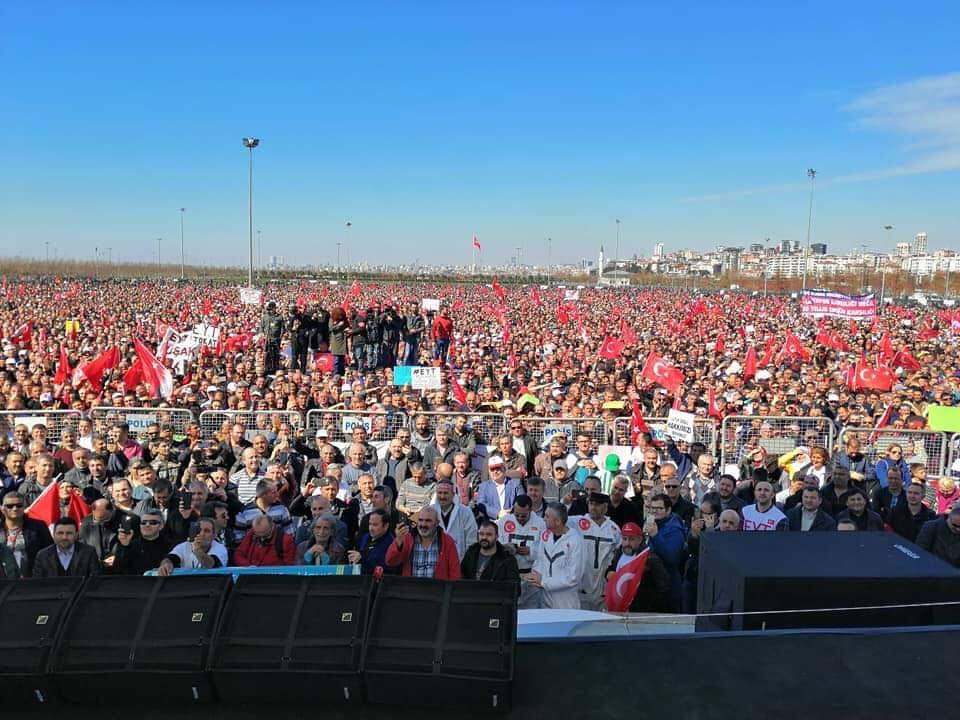 bu mağdur eyt ailesinin hakkini teslim edin yoksa istanbulu unutun @Akparti @MHP_Bilgi  #TümMağdurlarYenikapıya