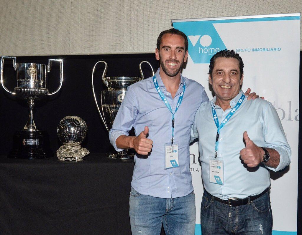 Un placer coincidir hoy con esta gran leyenda del Atlético de Madrid @PauloFutre,  en su primera charla motivacional en España para mis amigos de VOHome 🙌