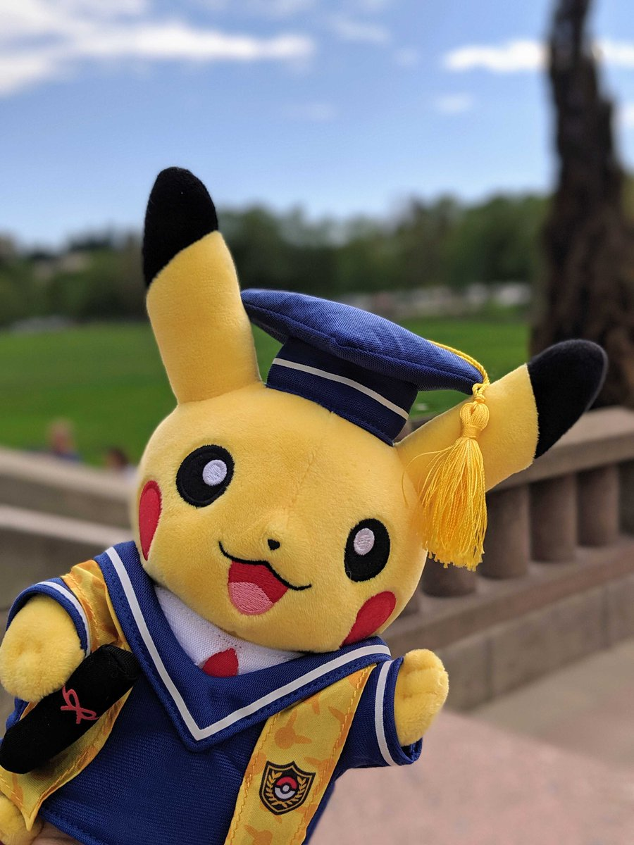 Do you know a college grad who's as smart as a Pokémon Professor? 🎓🏫  With cap and diploma in hand, Graduate Pikachu is ready to walk across the stage and take on the world!  Pomp and Circumstance and Pikachu. Only at the #PokemonCenter, US Trainers: http://bit.ly/2way4jG