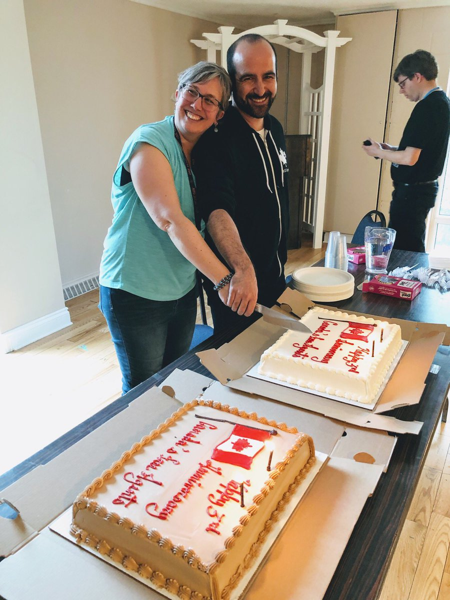 Celebrating 3 years as Canada&#39;s Free Agents!  Abe and Helen cutting the cake Bruce brought, sharing sugar and memories.   Couldn&#39;t be happier to be a part of this community. #GCAgents @FreeAgentLibre<br>http://pic.twitter.com/jbBrsSmii5