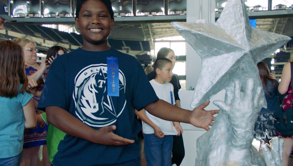Watch as @ArlingtonISD students learned the importance of incorporating artwork into their education after receiving a tour of the #DallasCowboys Art Collection at @ATTStadium. #CowboysHuddleFor100