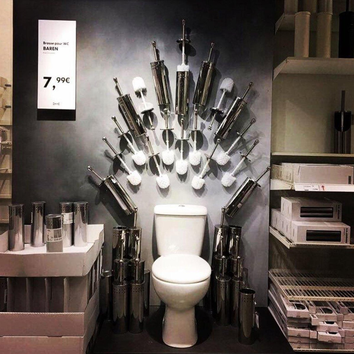 Game of Thrones in IKEA <br>http://pic.twitter.com/4UUxQIPX3i