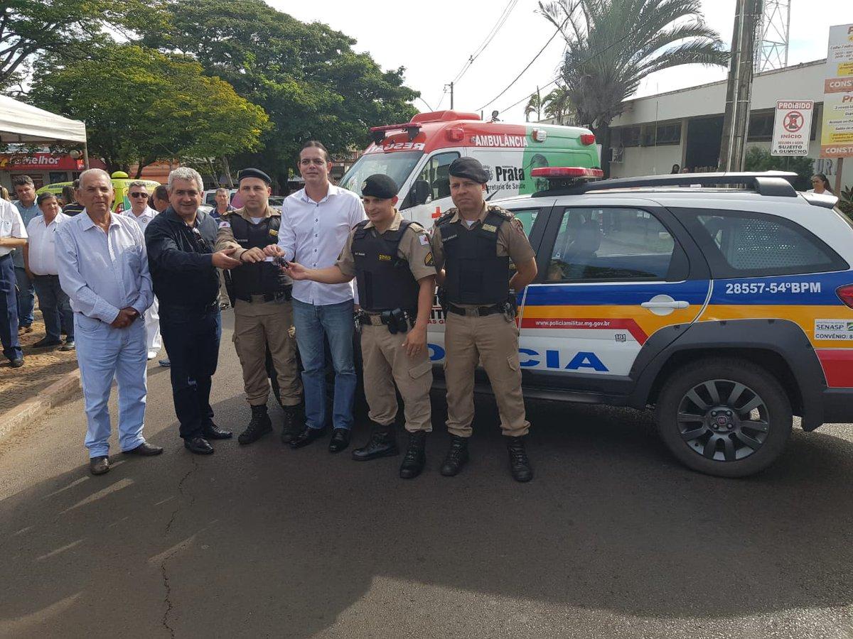 Entrega de viatura em Prata para o reforço na segurança pública. Importante trabalho conjunto com o deputado Tenente Lúcio e o deputado Elismar Prado. #Segurança #WelitonPrado #EmDefesadaSegurança #SegurançaMG #PMMG #PolíciaDeMinas