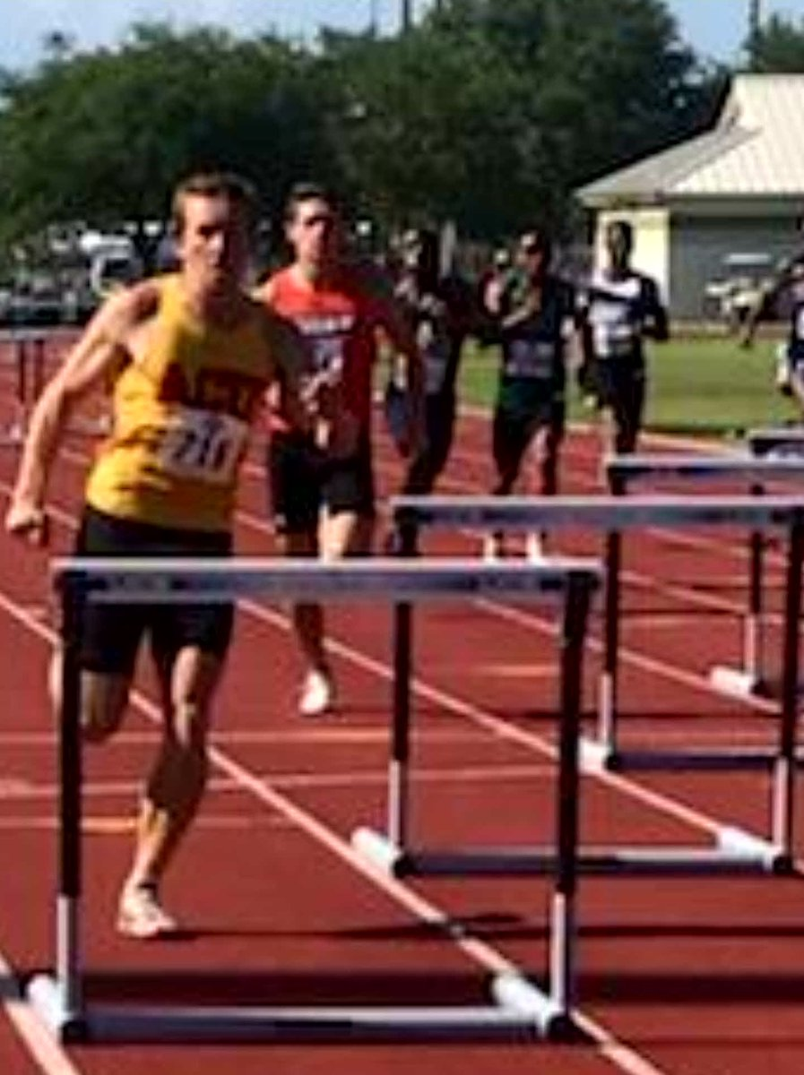 This just in: Zak Kleppe Arizona Christians&#39; 1st Track &amp; Field All-American! 52.86 in the 400 intermediate hurdles. He makes the final 8 and gains All-American status!  More to come... <br>http://pic.twitter.com/9b2GNBxUxo