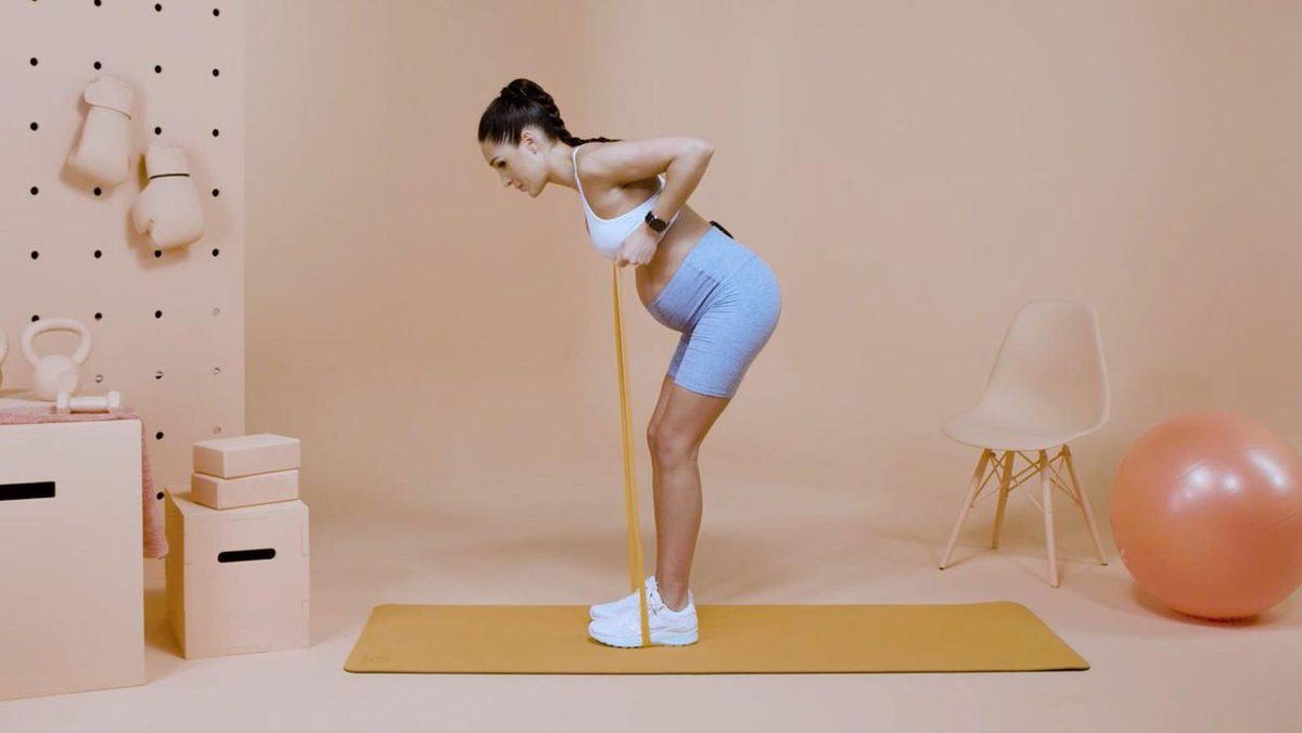 Image for the Tweet beginning: Boost your posture with @kayla_itsines—it