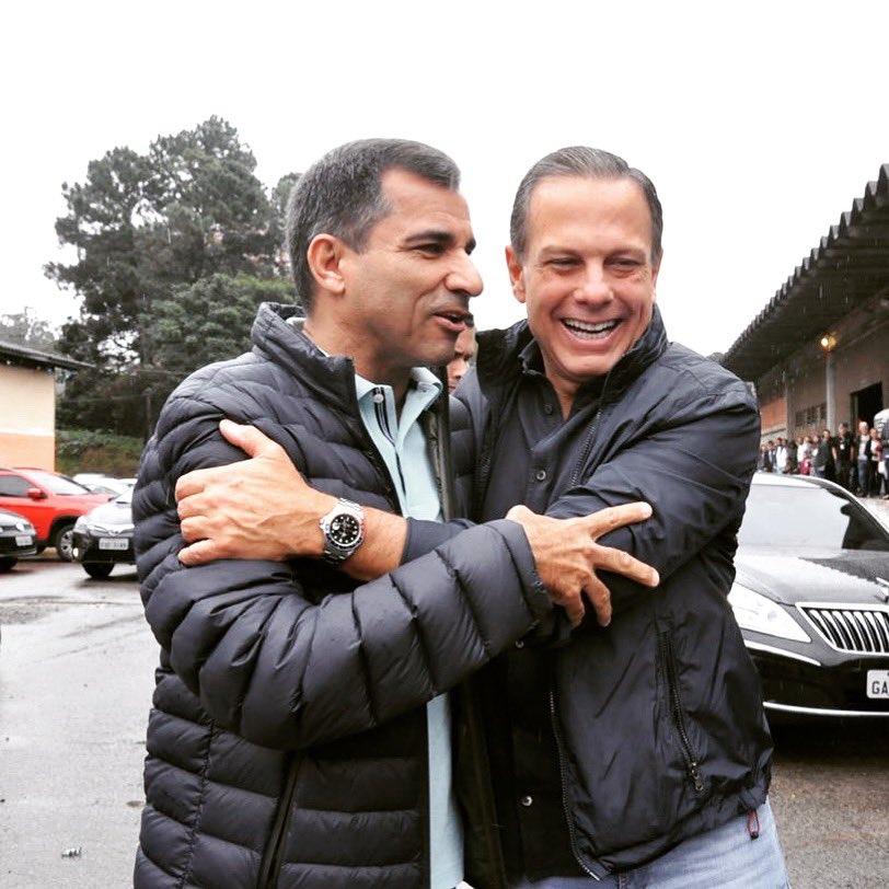 O encontro com o amigo governador João Doria. Ele está priorizando a Segurança Pública, e os primeiros bons resultados começam a aparecer. 🙏❤️👏👍 @jdoriajr #acelerasp #segurança #saopaulo