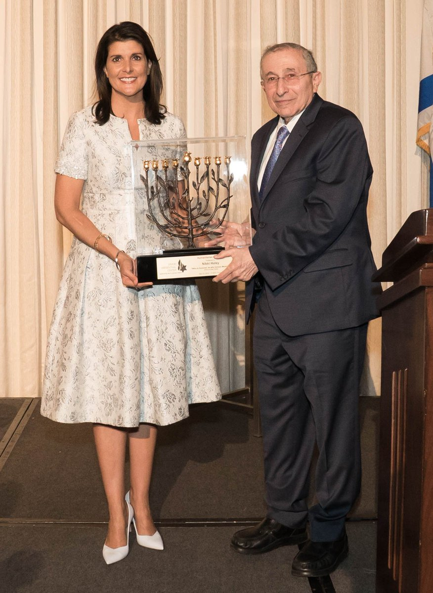 Chicago- @NikkiHaley receiving the SWC's highest honor, the Humanitarian Laureate Award, from Rabbi Marvin Hier and  #SWC Trustee Dawn Arnall for her courage and compassion in protecting global human rights and the State of #Israel<br>http://pic.twitter.com/6ZkGMy8vDX