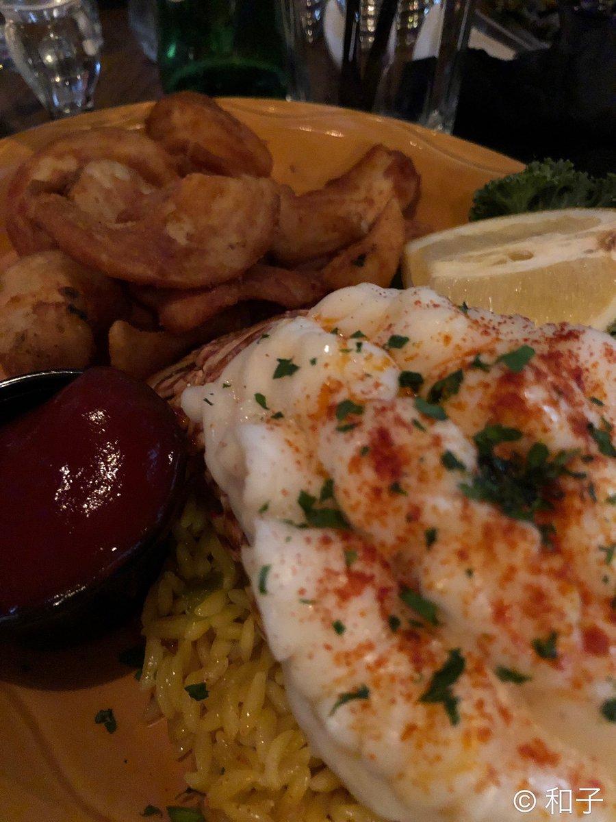 Tonight&#39;s dinner with the girls! #dante #lobsterdinner <br>http://pic.twitter.com/bziAKEsVcq